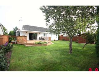 """Photo 7: 18636 62A Avenue in Surrey: Cloverdale BC House for sale in """"Eaglecrest"""" (Cloverdale)  : MLS®# F2826073"""
