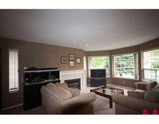 """Photo 4: 18636 62A Avenue in Surrey: Cloverdale BC House for sale in """"Eaglecrest"""" (Cloverdale)  : MLS®# F2826073"""