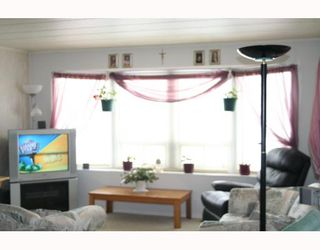 Photo 2:  in WINNIPEG: St Vital Residential for sale (South East Winnipeg)  : MLS®# 2904712