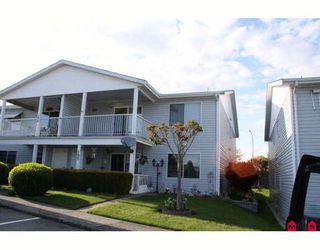 """Photo 1: 196 32691 GARIBALDI Drive in Abbotsford: Abbotsford West Townhouse for sale in """"CARRIAGE LANE"""" : MLS®# F2910583"""