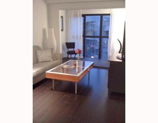 Photo 2: 1703 1188 HOWE Street in Vancouver: Downtown VW Condo for sale (Vancouver West)  : MLS®# V774471