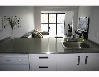 Photo 3: 1703 1188 HOWE Street in Vancouver: Downtown VW Condo for sale (Vancouver West)  : MLS®# V774471