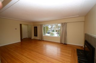 Photo 6: 1050 SMITH Avenue in Coquitlam: Central Coquitlam House for sale : MLS®# R2404828