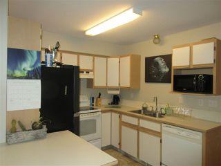 "Photo 3: 33 7715 LUCKAKUCK Place in Sardis: Sardis West Vedder Rd Townhouse for sale in ""VILLAGE CREEK ESTATES"" : MLS®# R2423743"