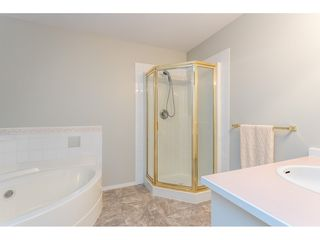 "Photo 15: 204 19241 FORD Road in Pitt Meadows: Central Meadows Condo for sale in ""VILLAGE GREEN"" : MLS®# R2428267"
