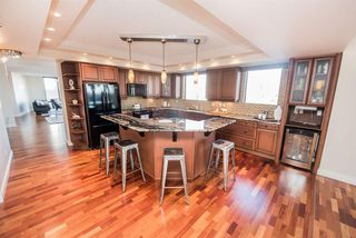Photo 9: 904 10028 119 Street in Edmonton: Zone 12 Condo for sale : MLS®# E4184300