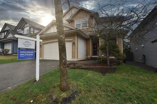 "Photo 3: 6950 198B Street in Langley: Willoughby Heights House for sale in ""Providence"" : MLS®# R2433691"