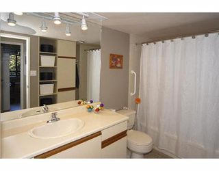 "Photo 10: 406 6611 MINORU Boulevard in Richmond: Brighouse Condo for sale in ""REGENCY PARK TOWERS"" : MLS®# V782869"