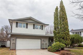 Photo 2: 34 Monarch Mews in Winnipeg: Residential for sale (1F)  : MLS®# 202009150