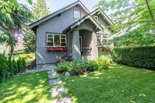 Photo 1: 1735 E 15TH Avenue in Vancouver: Grandview Woodland House for sale (Vancouver East)  : MLS®# R2461451