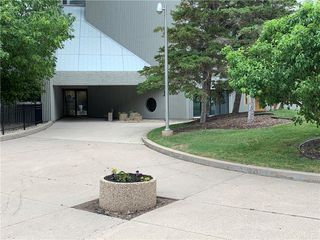 Photo 2: 115 3000 Pembina Highway in Winnipeg: Condominium for sale (1K)  : MLS®# 202013936