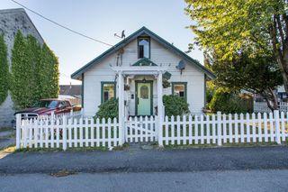 Main Photo: 11273 DARTFORD Street in Maple Ridge: Southwest Maple Ridge House for sale : MLS®# R2496261