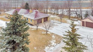 Photo 3: 695 Twin Creek Road in Steinbach: R16 Residential for sale : MLS®# 202029432