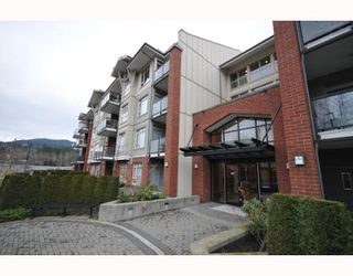 "Photo 13: 117 100 CAPILANO Road in Port Moody: Port Moody Centre Condo for sale in ""SUTER BROOK"" : MLS®# V810238"