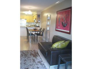 """Photo 4: 123 332 LONSDALE Avenue in North Vancouver: Lower Lonsdale Condo for sale in """"CALYPSO"""" : MLS®# V822251"""