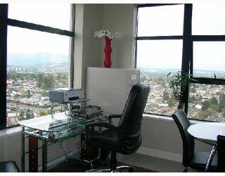 """Photo 7: 2709 5380 OBEN Street in Vancouver: Collingwood VE Condo for sale in """"URBA"""" (Vancouver East)  : MLS®# V722451"""