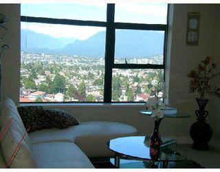 """Photo 6: 2709 5380 OBEN Street in Vancouver: Collingwood VE Condo for sale in """"URBA"""" (Vancouver East)  : MLS®# V722451"""