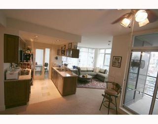 Photo 3: 2601 1483 HOMER Street in Vancouver West: Home for sale : MLS®# V677481