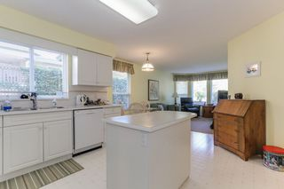 "Photo 10: 249 13888 70 Avenue in Surrey: East Newton Townhouse for sale in ""Chelsea Gardens"" : MLS®# R2392420"