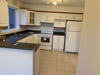 Photo 2:  in Edmonton: Zone 29 Townhouse for sale : MLS®# E4170759