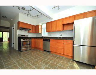 """Photo 38: 1242 E 15TH Avenue in Vancouver: Mount Pleasant VE House for sale in """"Mt. Pleasant"""" (Vancouver East)  : MLS®# V780258"""