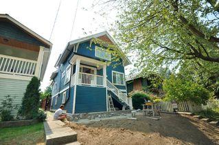 """Photo 2: 1242 E 15TH Avenue in Vancouver: Mount Pleasant VE House for sale in """"Mt. Pleasant"""" (Vancouver East)  : MLS®# V780258"""
