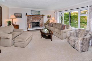 Photo 13: 10238 Resthaven Drive in SIDNEY: Si Sidney North-East Single Family Detached for sale (Sidney)  : MLS®# 419968