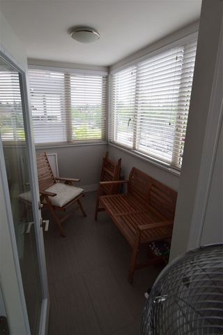 """Photo 4: 307 2408 E BROADWAY Street in Vancouver: Renfrew Heights Condo for sale in """"BROADWAY CROSSING"""" (Vancouver East)  : MLS®# R2434144"""
