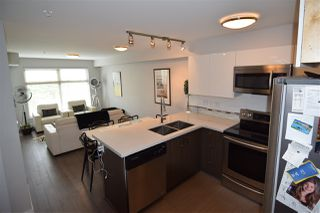 """Photo 7: 307 2408 E BROADWAY Street in Vancouver: Renfrew Heights Condo for sale in """"BROADWAY CROSSING"""" (Vancouver East)  : MLS®# R2434144"""