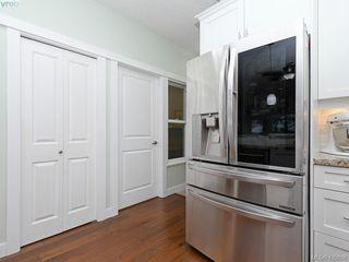 Photo 10: 218 2710 Jacklin Rd in VICTORIA: La Langford Proper Condo for sale (Langford)  : MLS®# 833056