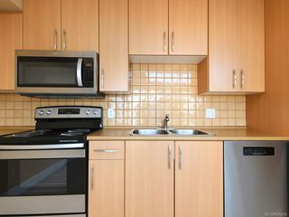 Photo 13: 304 1155 Yates St in Victoria: Vi Downtown Condo Apartment for sale : MLS®# 836214