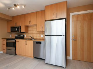 Photo 3: 304 1155 Yates St in Victoria: Vi Downtown Condo Apartment for sale : MLS®# 836214