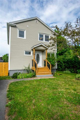 Photo 1: 2 Carver Street in Dartmouth: 17-Woodlawn, Portland Estates, Nantucket Residential for sale (Halifax-Dartmouth)  : MLS®# 202014434