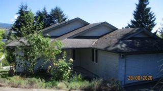 Photo 1: 5602 MEDUSA Place in Sechelt: Sechelt District House for sale (Sunshine Coast)  : MLS®# R2492143