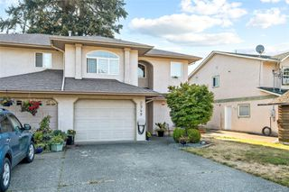 Photo 3: 2949 Robalee Pl in : La Goldstream Half Duplex for sale (Langford)  : MLS®# 855490