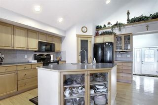 Photo 5: 209 Prestwick Estate Way SE in Calgary: McKenzie Towne Detached for sale : MLS®# A1058206
