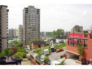"Photo 7: 402 813 AGNES Street in New Westminster: Downtown NW Condo for sale in ""THE NEWS"" : MLS®# V825673"