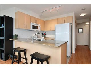 "Photo 3: 809 550 TAYLOR Street in Vancouver: Downtown VW Condo for sale in ""THE TAYLOR"" (Vancouver West)  : MLS®# V838686"
