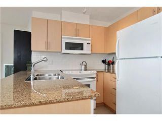 "Photo 4: 809 550 TAYLOR Street in Vancouver: Downtown VW Condo for sale in ""THE TAYLOR"" (Vancouver West)  : MLS®# V838686"
