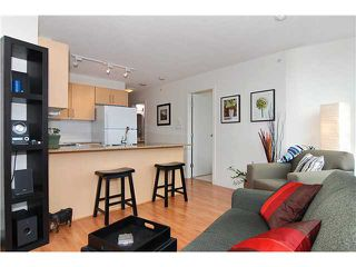 "Photo 2: 809 550 TAYLOR Street in Vancouver: Downtown VW Condo for sale in ""THE TAYLOR"" (Vancouver West)  : MLS®# V838686"