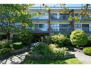"Photo 1: 202 1950 W 8TH Avenue in Vancouver: Kitsilano Condo for sale in ""MARQUIS MANOR"" (Vancouver West)  : MLS®# V841892"