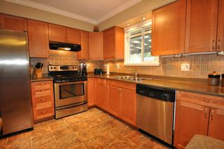 Photo 3: 32050 SANDPIPER Place in Mission: Mission BC House for sale : MLS®# F1026223