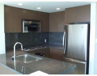 """Photo 3: 1702 9188 COOK Road in Richmond: McLennan North Condo for sale in """"RESIDENCE ON THE PARK"""" : MLS®# V740314"""