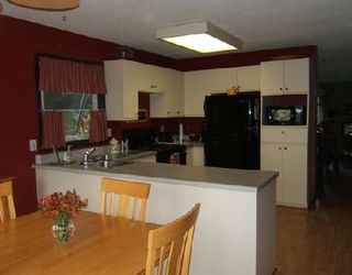 Photo 3: 120 ALEX TAYLOR Drive in WINNIPEG: Transcona Residential for sale (North East Winnipeg)  : MLS®# 2817046