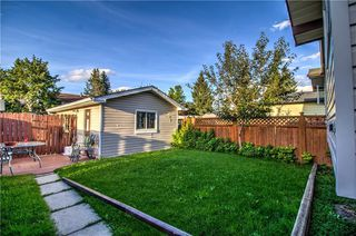 Photo 2: 3124 109 Avenue SW in Calgary: Cedarbrae Semi Detached for sale : MLS®# C4267965