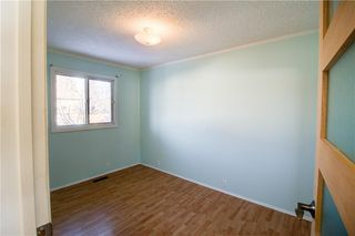 Photo 8: 3124 109 Avenue SW in Calgary: Cedarbrae Semi Detached for sale : MLS®# C4267965