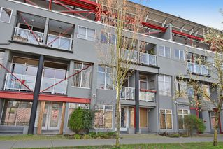 Photo 1: U5 238 10TH AVENUE in Vancouver East: Home for sale : MLS®# R2048792