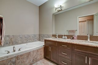 Photo 27: 925 ARMITAGE Court in Edmonton: Zone 56 House for sale : MLS®# E4184255