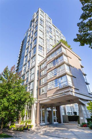 """Photo 20: 305 1228 MARINASIDE Crescent in Vancouver: Yaletown Condo for sale in """"CRESTMARK II"""" (Vancouver West)  : MLS®# R2431843"""