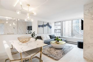"""Photo 6: 305 1228 MARINASIDE Crescent in Vancouver: Yaletown Condo for sale in """"CRESTMARK II"""" (Vancouver West)  : MLS®# R2431843"""